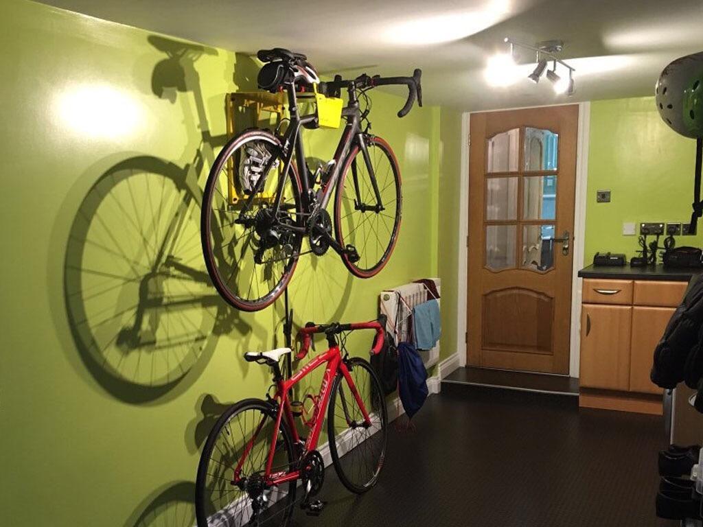Artivelo Bike hanger on the wall by Nick - Artivelo - English