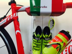 Hangingsystem racing bike italian flag