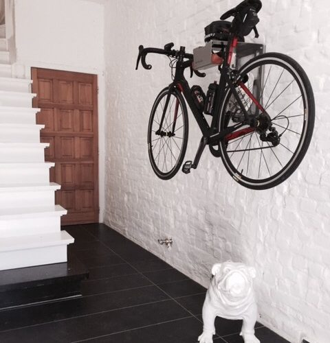 Hang your bike on the wall in the entry like Hilde