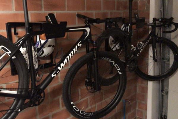 Hang your bike on the wall in black