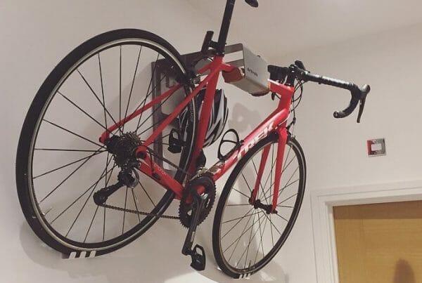 Road bike suspension bracket