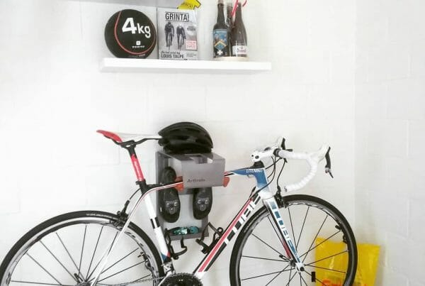 Hang your bike on the wall grey like Vincent