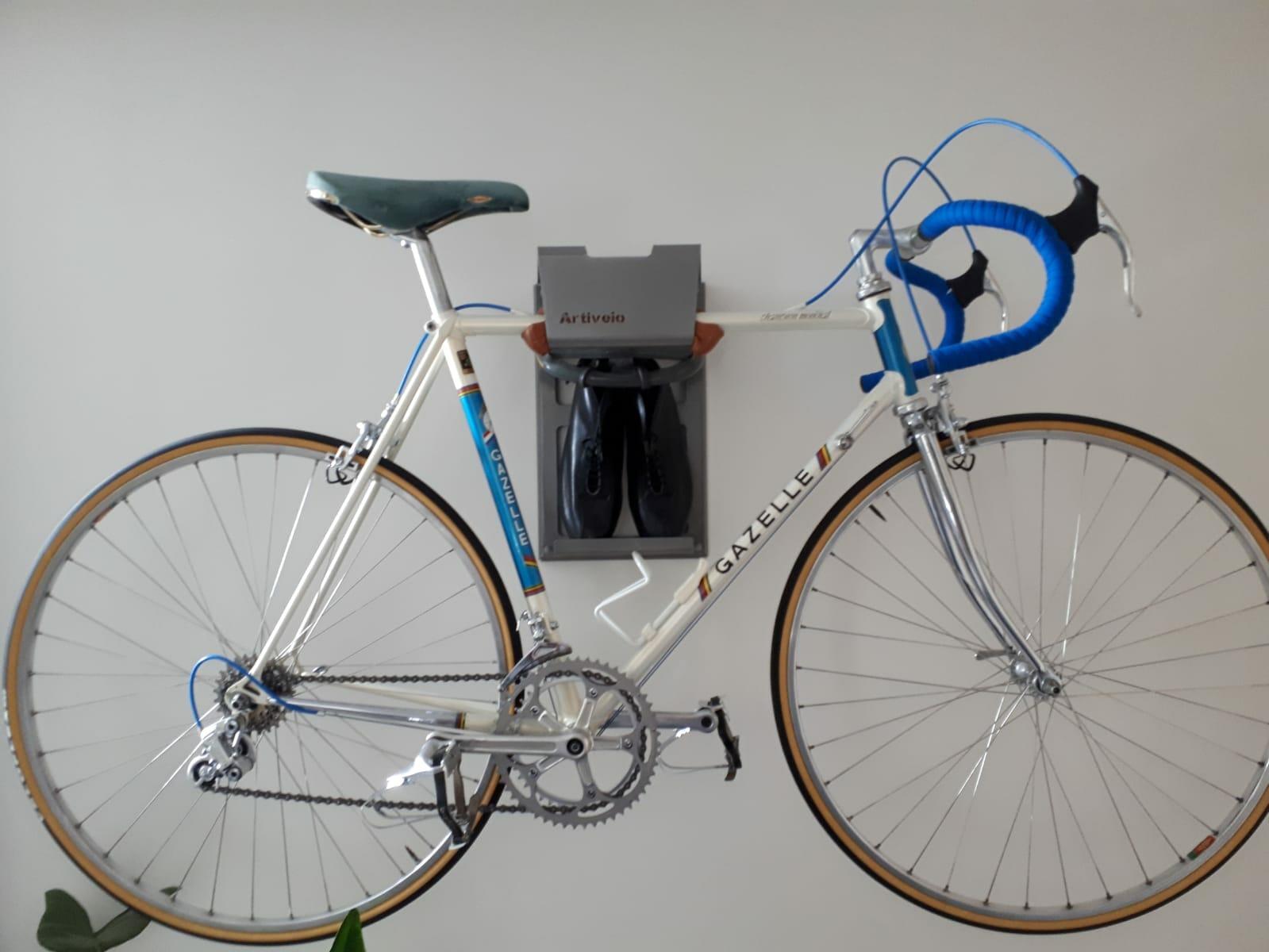 Road bike hang up wall grey