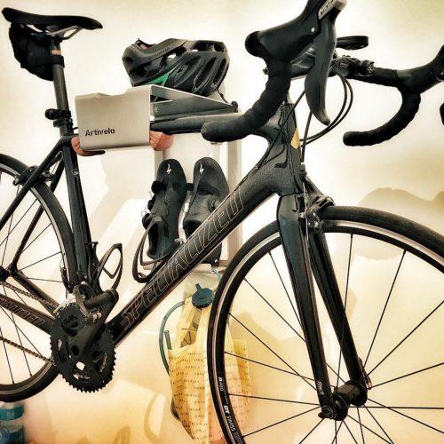 Wall holder racingbicycle grey