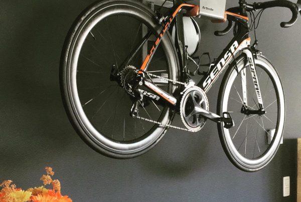 Hang up the bike bracket