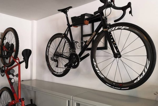 Racing bike wall system