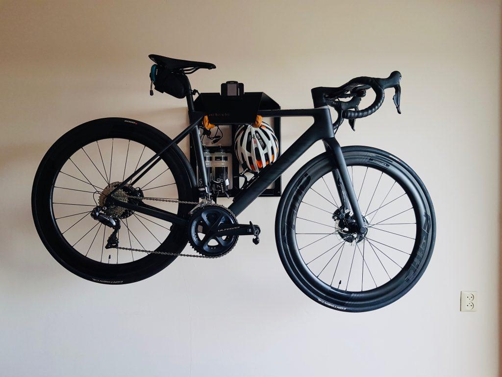Storage system for black racingbike