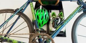 Ventoux Trek Benelux ophangsysteem racefiets hangen muur woonkamer huis apartement Artivelo BikeDock Loft 1