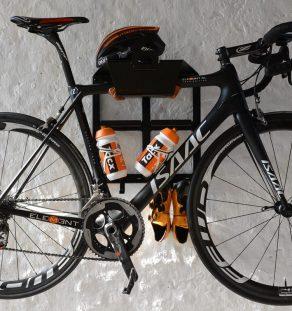 Racefiets Ophangsysteem BikeDock Loft Black Artivelo fiets hangen muur ophangsysteem racefiets woonkamer huis apartement