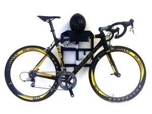 Trek Benelux ophangsysteem racefiets hangen muur woonkamer huis apartement Artivelo BikeDock Loft
