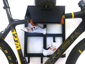 Trek Benelux ophangsysteem racefiets hangen muur woonkamer huis apartement Artivelo BikeDock Loft 2