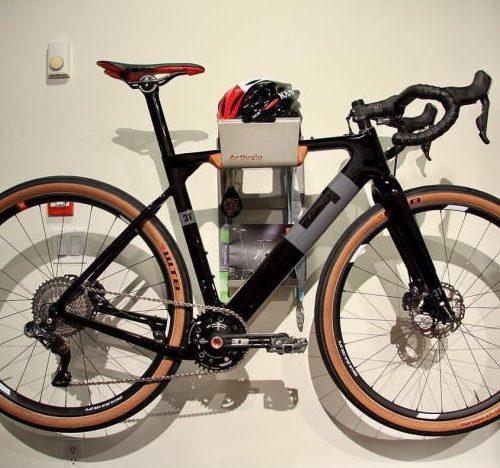 Artivelo BikeDock ophangsysteem stucmuur