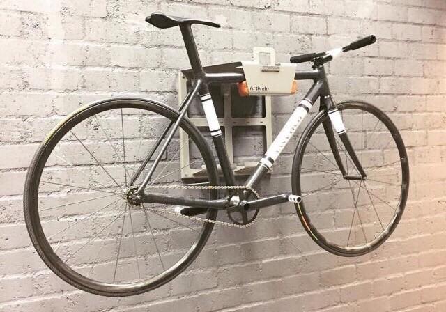 Artivelo BikeDock ophangsysteem aan de muur