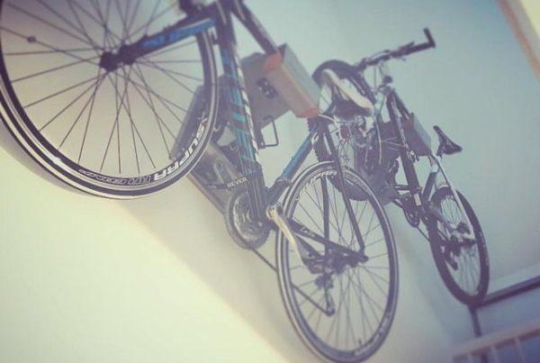 Hang je fiets aan het muursysteem